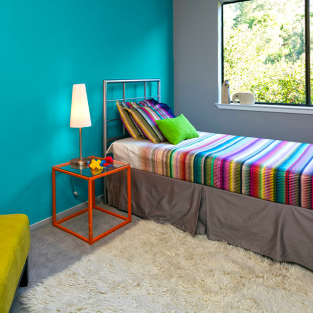 Decoraci n de espacios con colores turquesas comex for Que color asociar con el azul turquesa